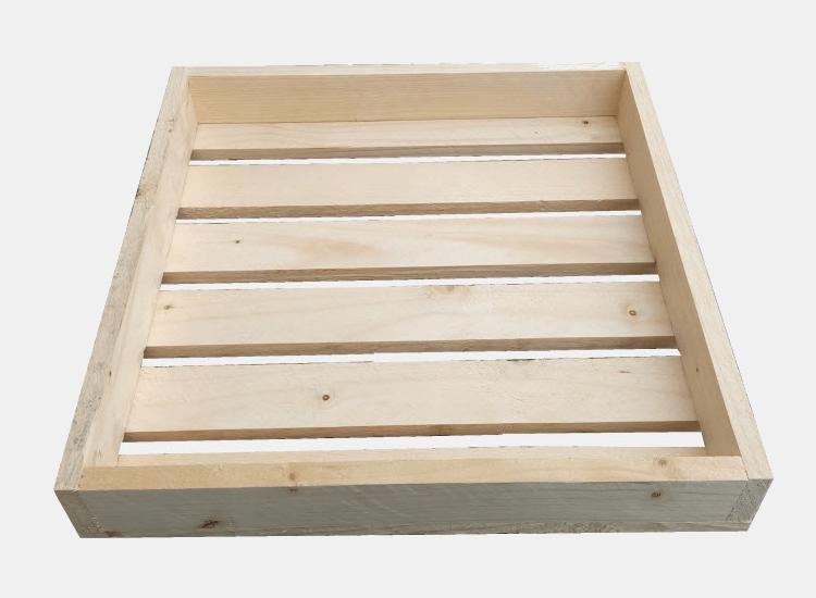 Dřevěná bedýnka 40 x 40 x 6,5 cm (Alena)