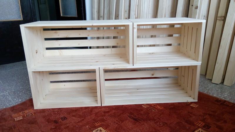Botník z dřevěných bedýnek 100 x 50 cm